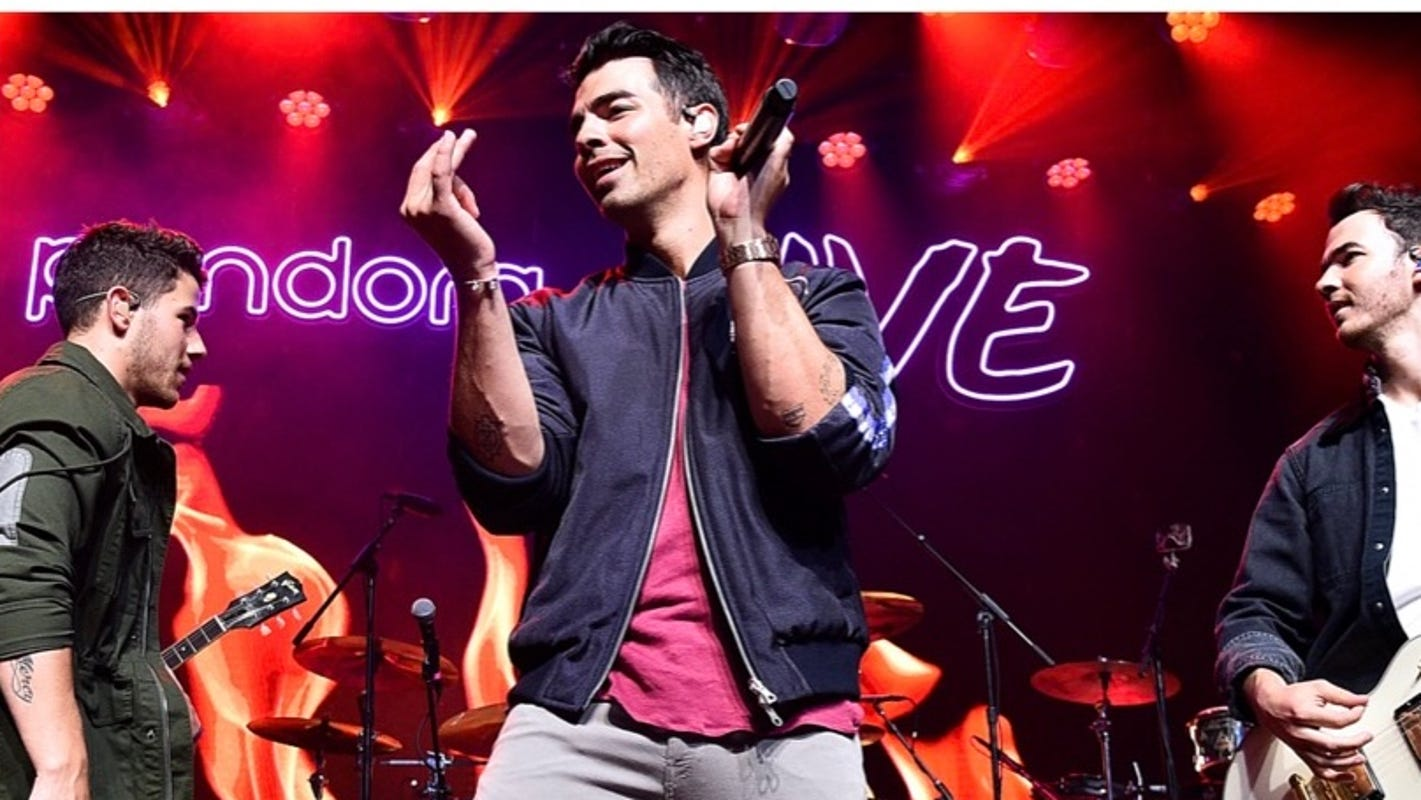Summerfest 2021 in Milwaukee announces lineup, with Jonas Brothers, Chance The Rapper, Miley Cyrus, 100 other headliners