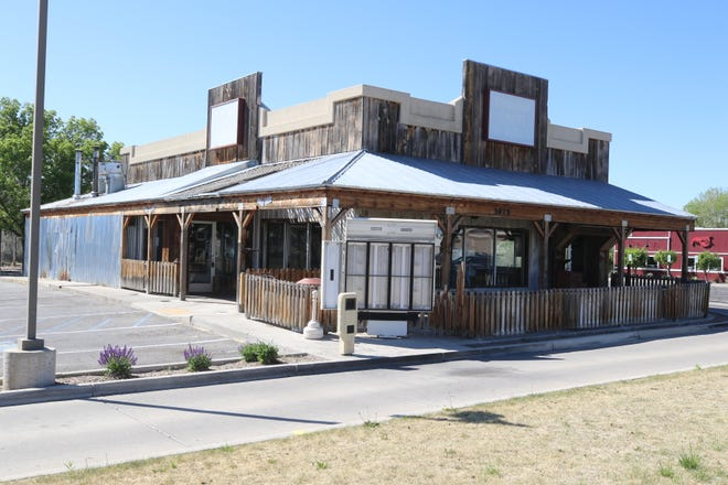 The former Serious Texas Bar-B-Q location on East Main Street in Farmington will be renovated into a Slim Chickens restaurant this summer.