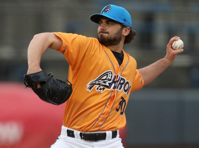 RubberDucks starter Tanner Tully throws a pitch in the first inning of a 9-2 win over the Binghamton Rumble Ponies on Thursday night a Canal Park. [Mike Cardew/Beacon Journal]