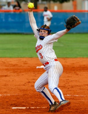 Bartow pitcher Red Oxley pitches in the second inning against Strawberry Crest on Thursday night in the Class 6A, Region 2 quarterfinals.