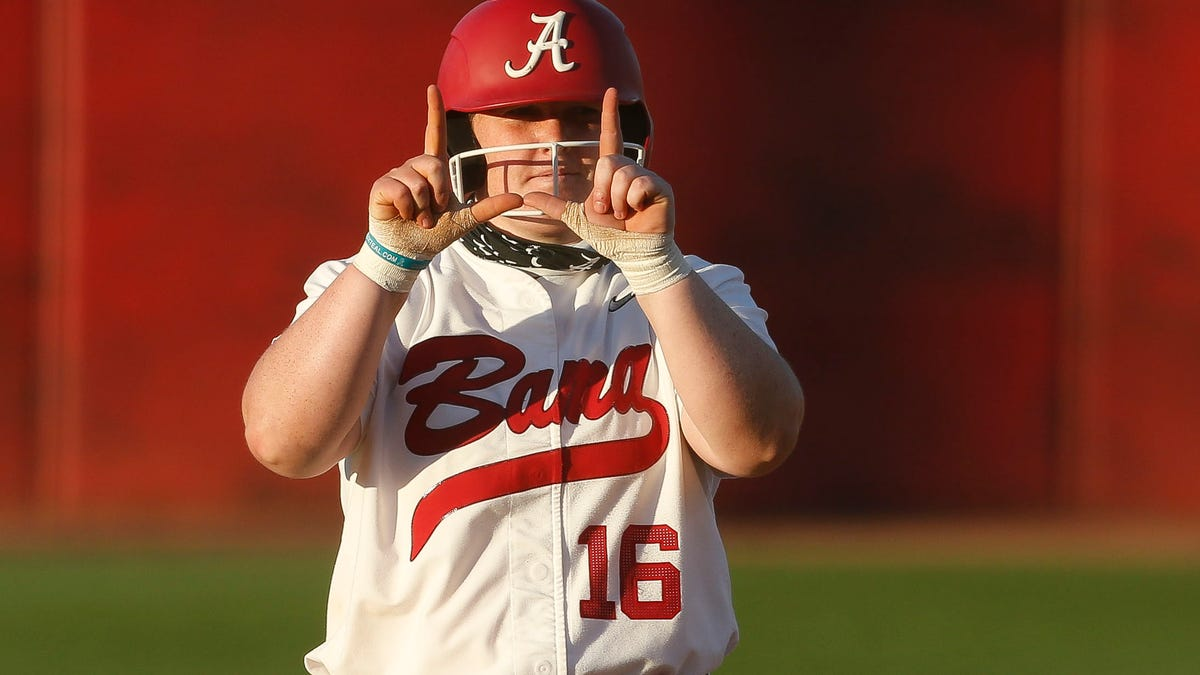 SEC Player of the Year Bailey Hemphill hammers two home runs in SEC Tournament, ties Alabama school record