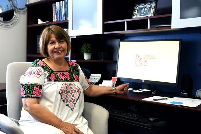 Emma Torres, junto con algunos de sus amigos y familiares, fundaron Campesinos Sin Fronteras en 1999 para ayudar a los trabajadores agrícolas a mejorar sus vidas.