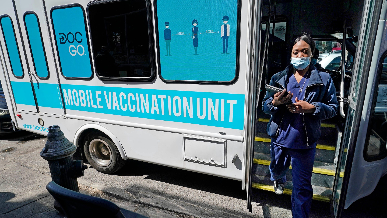 India reeling amid virus surge; CDC updates airborne transmission guidance: Latest COVID-19 updates – USA TODAY