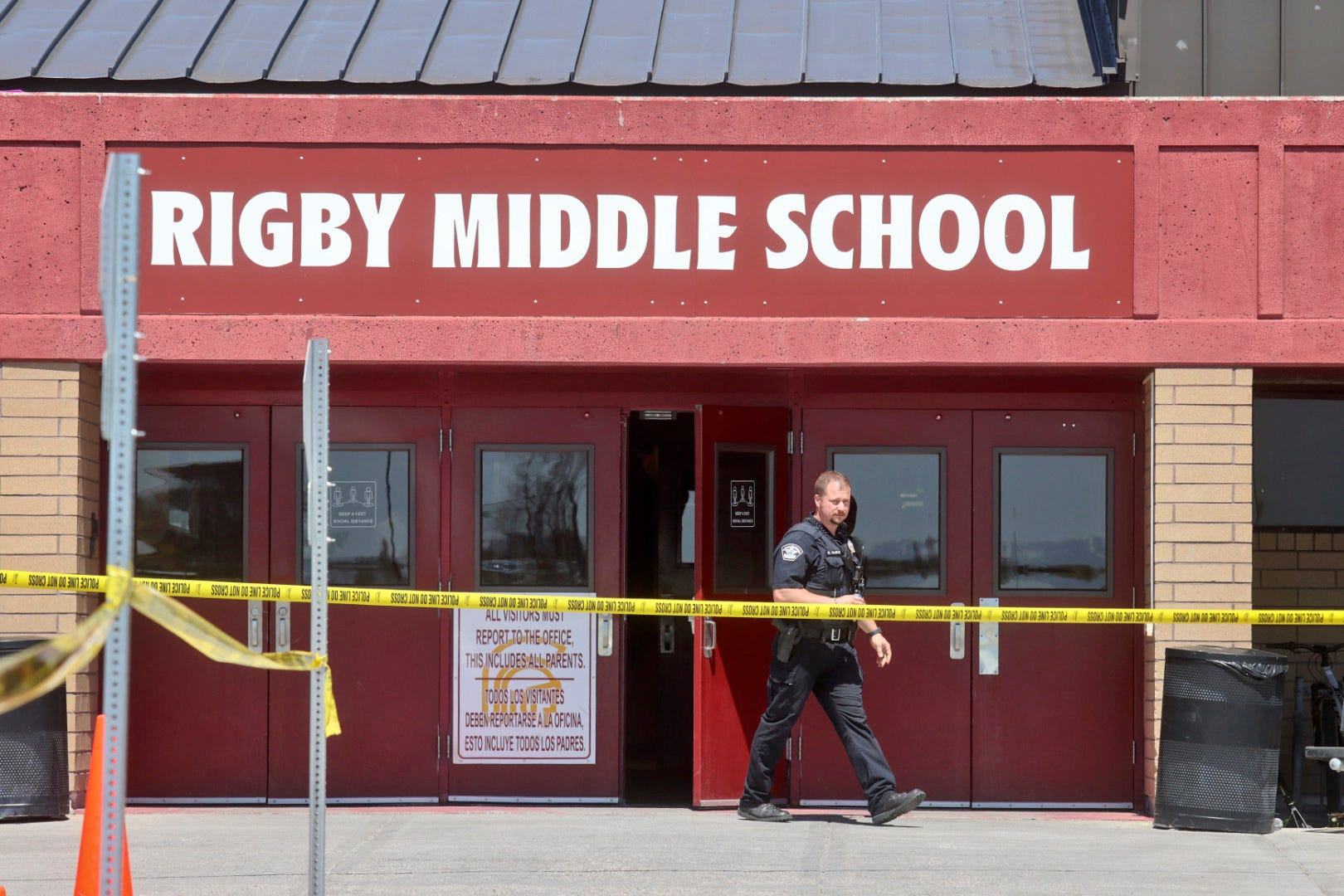 It s real : A 6th grade girl opened fire in Idaho middle school, injuring 3; horrified students thought it was a drill