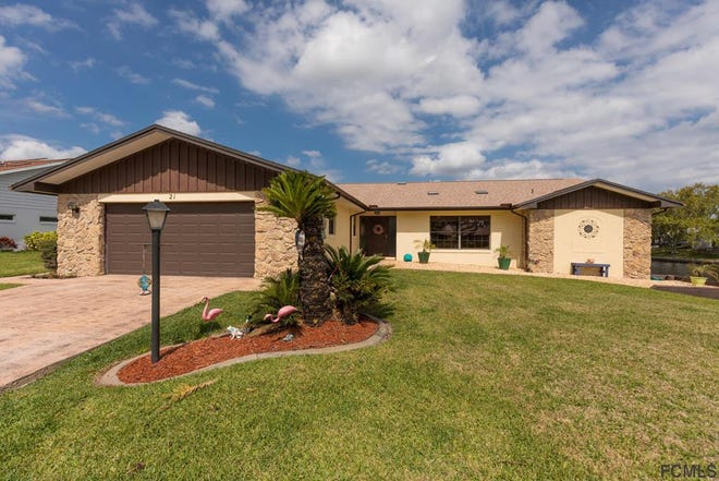 Built in 1982 on a saltwater canal, this home on Floral Court has three bedrooms and 2 1/2 baths in 2,028 square feet of living space. It also has skylights and a screened lanai, and it sold recently for $478,000.