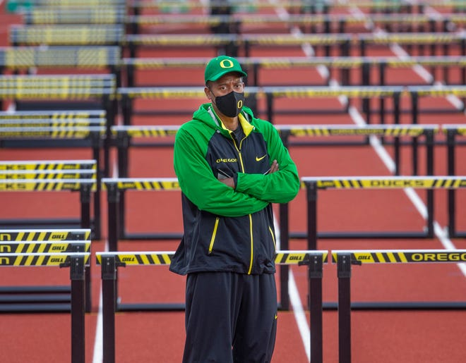 Oregon coach Robert Johnson has high expectations for his teams at the Pac-12 championship meet this weekend.