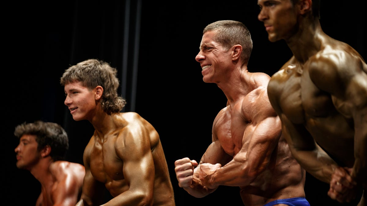 All-Natural Bodybuilders showcase their hard work in Des Moines Saturday