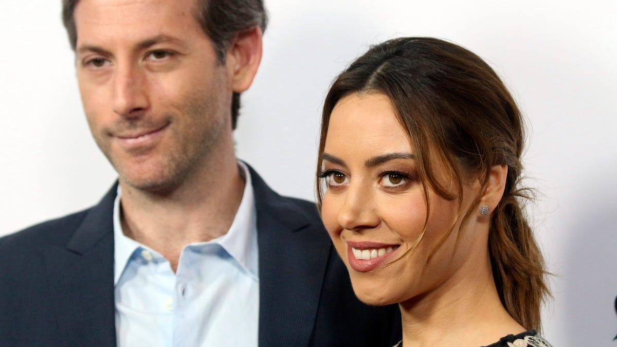 Aubrey Plaza marries longtime boyfriend director Jeff Baena 1