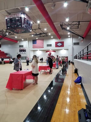 """The Magazine School District organized a """"reverse job fair"""" on May 4. All the students who participated got job offers."""