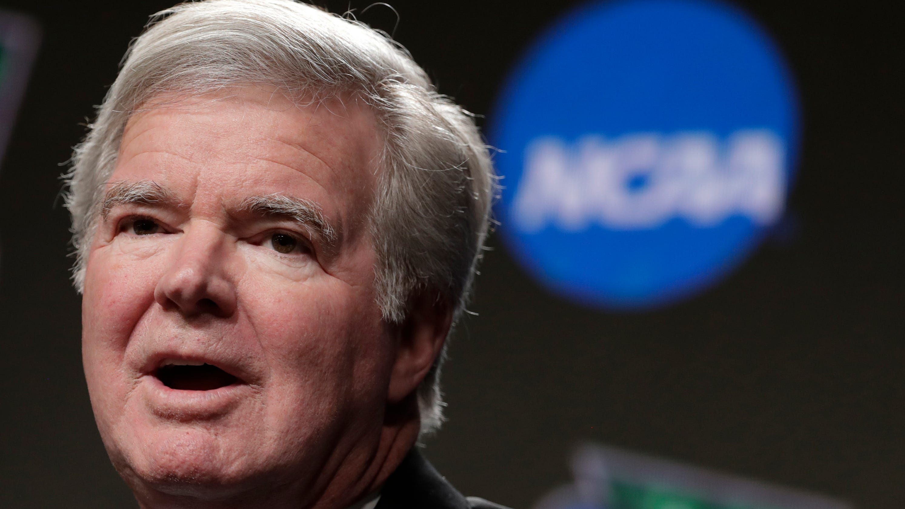 NCAA President Mark Emmert to meet with lawmakers as some states push to pay college athletes