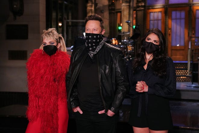 """Miley Cyrus, Elon Musk and Cecily Strong in a promo for """"Saturday Night Live."""""""