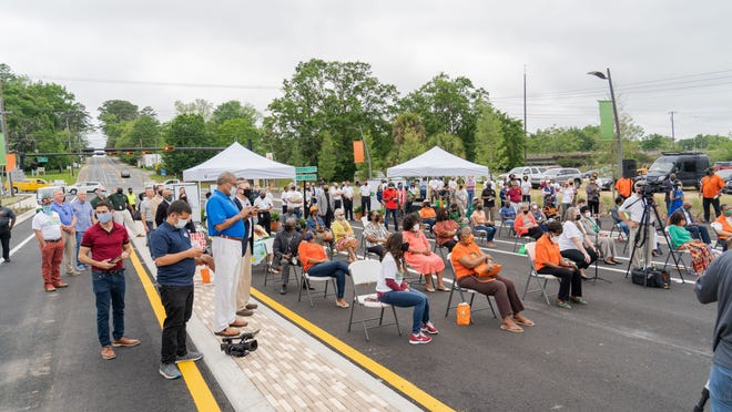The FAMU Way project extended FAMU Way from Wahnish Way to Lake Bradford Road and created roundabouts, wide sidewalks, a multi-use trail connecting to the St. Marks Trail, a community gathering place at Lake Anita, a children's playground, landscaping and more.