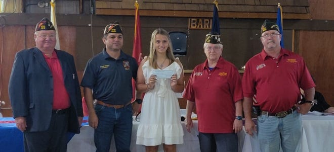Mallory Calvez, students at Agua Dulce High School, wins VFW Post 8621's Voice of Democracy .
