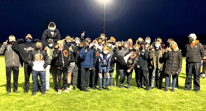 The Quincy Oriole boys secured the championship in their home invitational this past Friday night