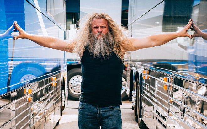 Country singer Jamey Johnson has booked a show at the St. Augustine Amphitheatre for July 10.