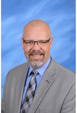 Robert Wolfe has been chosen by the Arkansas Association of Middle-Level Education as this year's administrator that makes a difference.