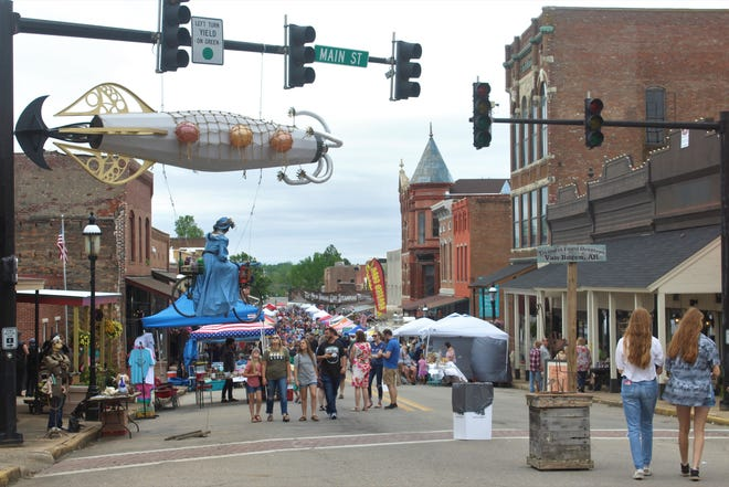 Van Buren held its annual Old Timers Steampunk festival on May 8 and 9. Main Street in Van Buren was filled with vendors and performers from multiple states.