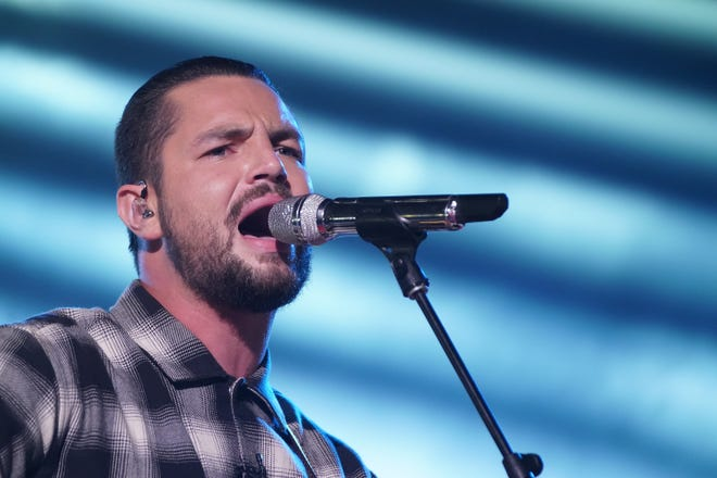 """Apple Valley's Chayce Beckham performed his tribute song """"Mama"""" and the Coldplay hit """"Magic"""" as he moved into the Top 5 of """"American Idol"""" during Sunday's Mother's Day-themed episode."""