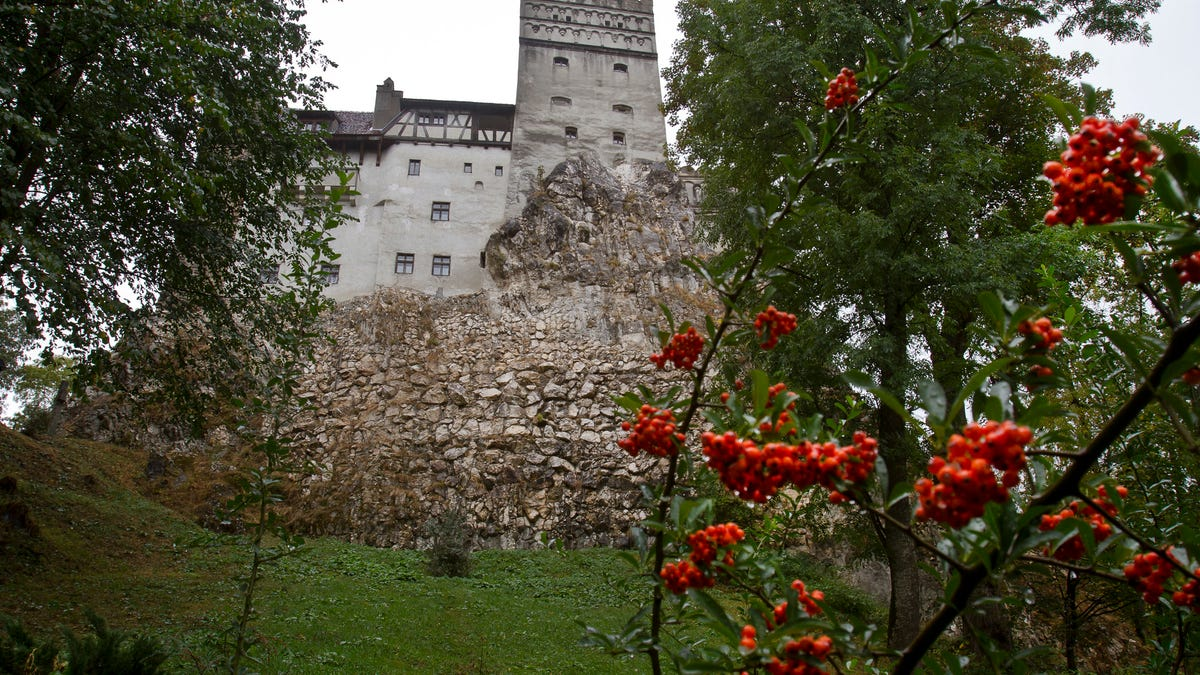 Dracula's castle proves an ideal setting for COVID-19 jabs 2