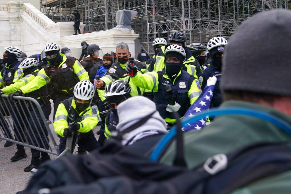 Watchdog says Capitol Police deficient at monitoring threats 1