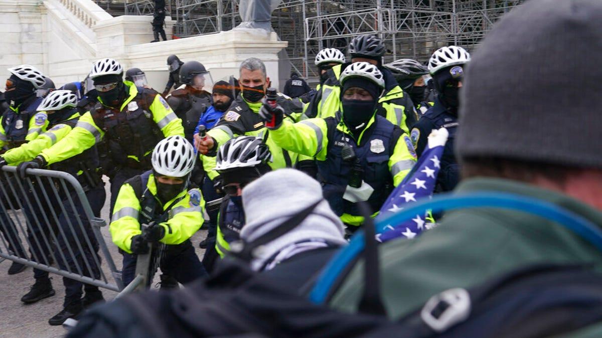 Watchdog says Capitol Police deficient at monitoring threats 2