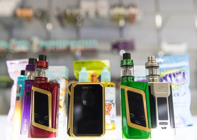 E-cigarette products are shown in this 2017 photo. [RICARDO B. BRAZZIELL/AMERICAN-STATESMAN/FILE]