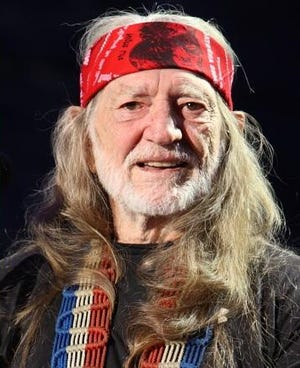 Willie Nelson getting ready to perform at Farm Aid 2009.