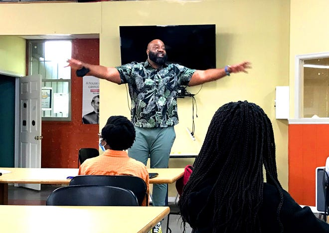 Former Ohio State University and National Football League player Jimmie Bell of Columbus described the actions and attitude needed to reach life goals during a motivational speech to a gathering of the STEAM club that has operated since 2017 at the Unity Community Center, 50 Ross St. in Delaware.