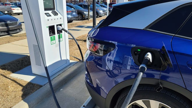 Plug and play. The 2022 VW ID.4 recharging at Novi Electrify America charger.