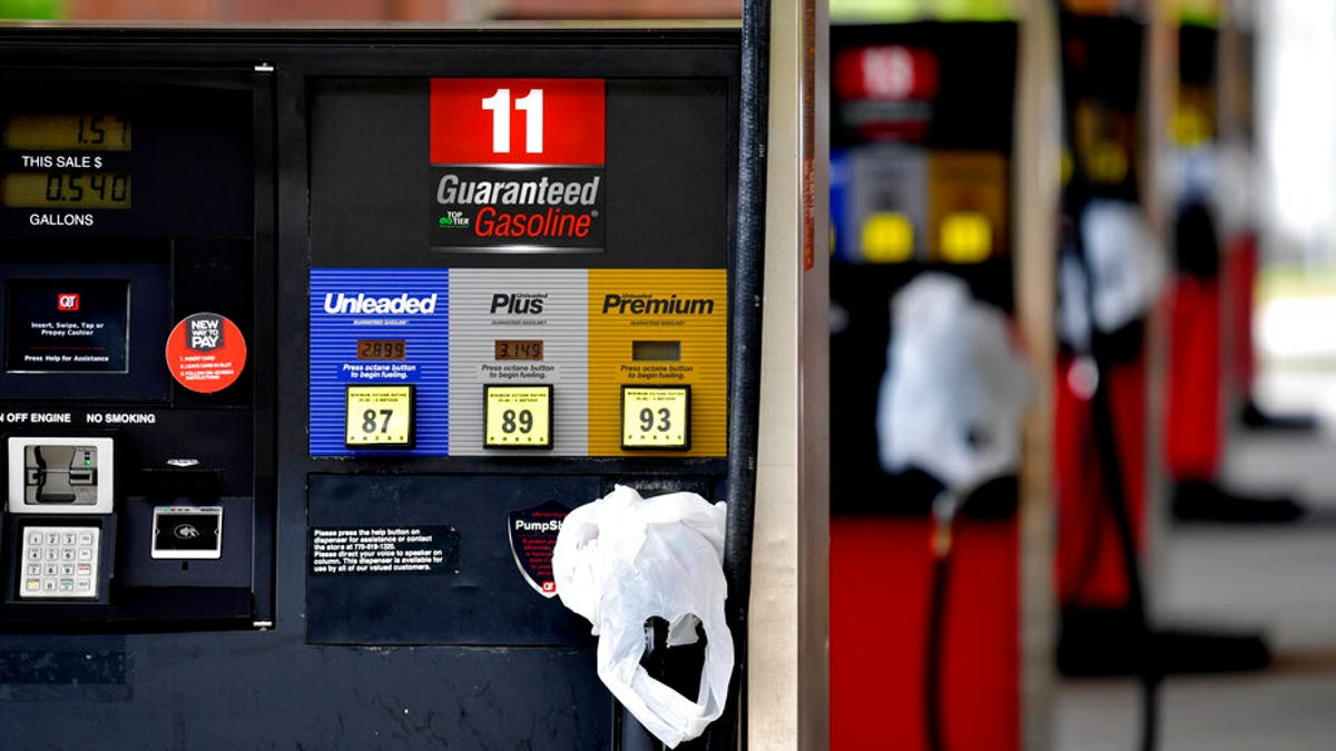 Gas stations report shortages as pipeline shutdown drags on 3