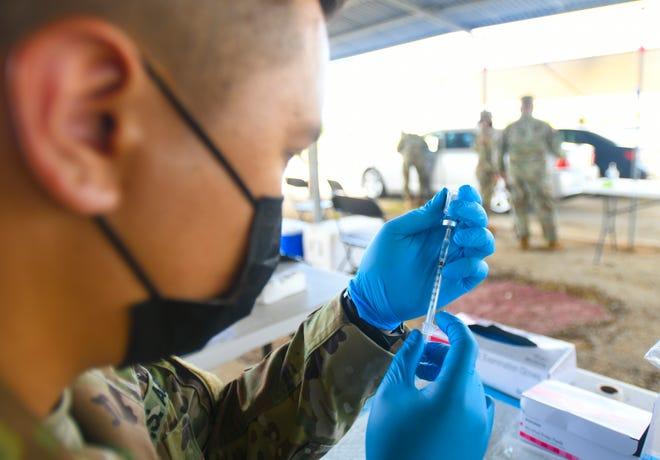Podľa Adelapu nebudú cestujúci úplne zaočkovaní na Guam od začiatku soboty vystavení karanténe vo vládnom zariadení.