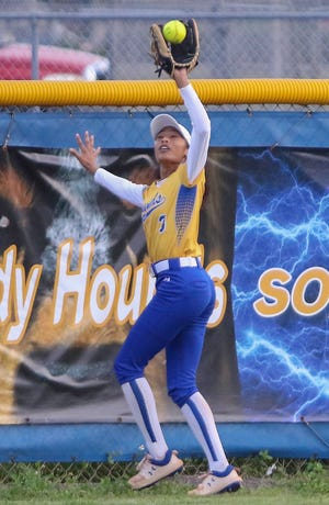 Auburndale center fielder Zee Jones makes the catch at the fence against Dade City Pasco on Tuesday night in the Class 5A, Region 3 semifinals.