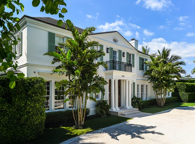 A Palm Beach house on a North End mid-block lot at 304 Garden Road has sold for $23.788 million, the price reported in the Palm Beach Board of Realtors Multiple Listing Service.