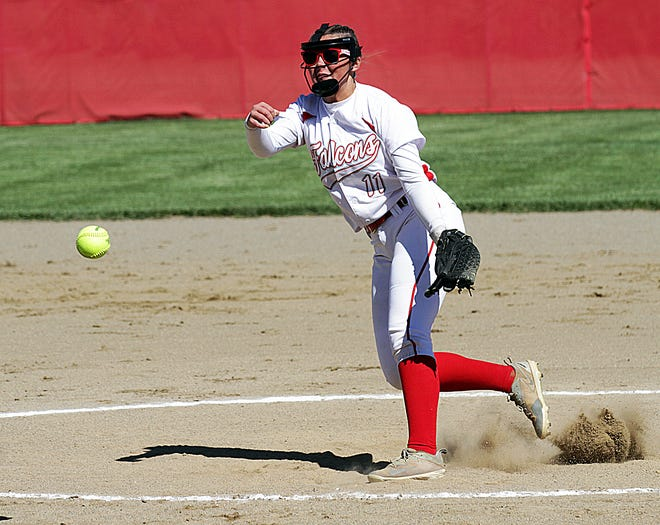 Madi Tulley of Constantine delivers to the plate against Mendon in prep softball action on Tuesday.