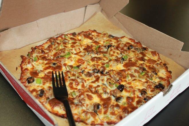 "Jimmy's Pizza's new ""crustless pizza."""