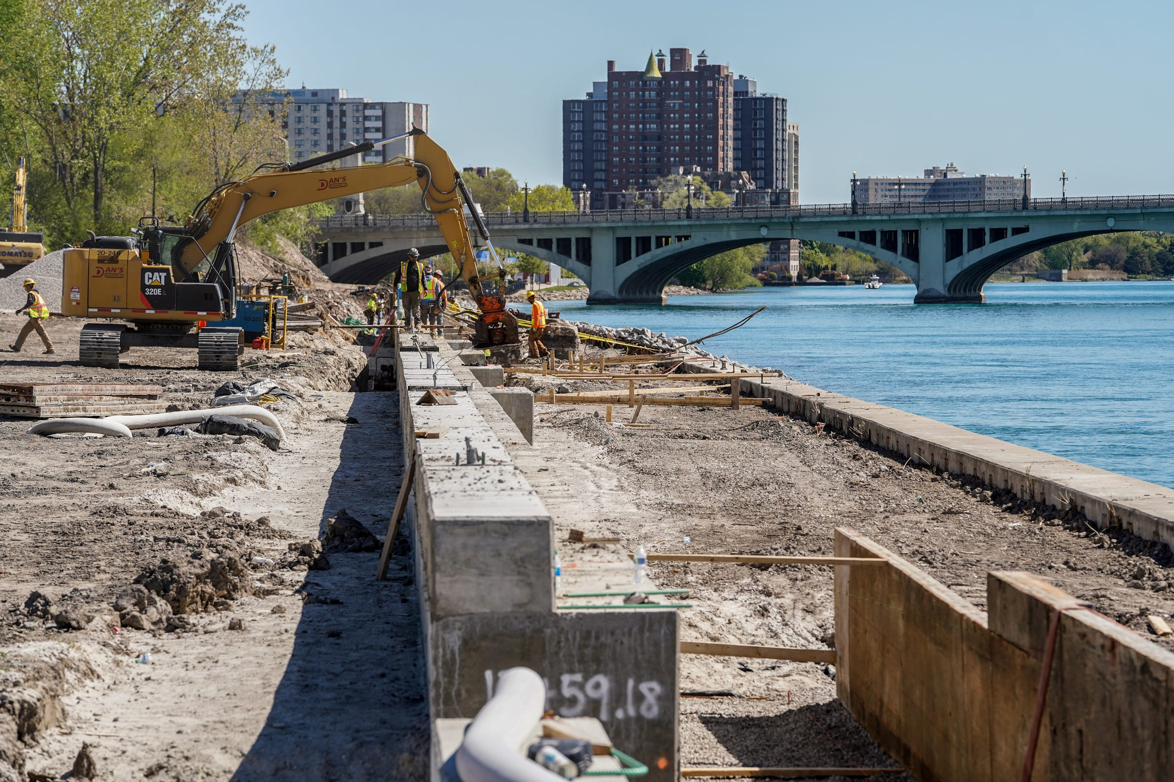 Work begins on Detroit's east RiverWalk, a path expected to connect RenCen to Belle Isle