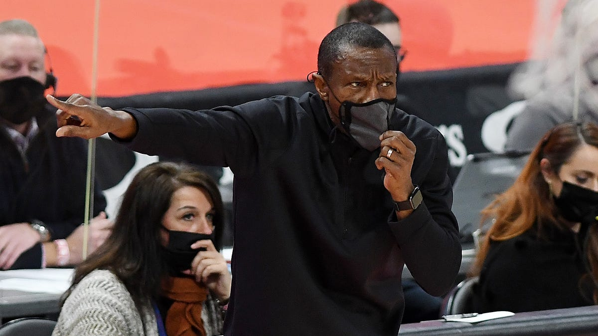 Pistons, coach Dwane Casey agree to contract extension through 2024 1