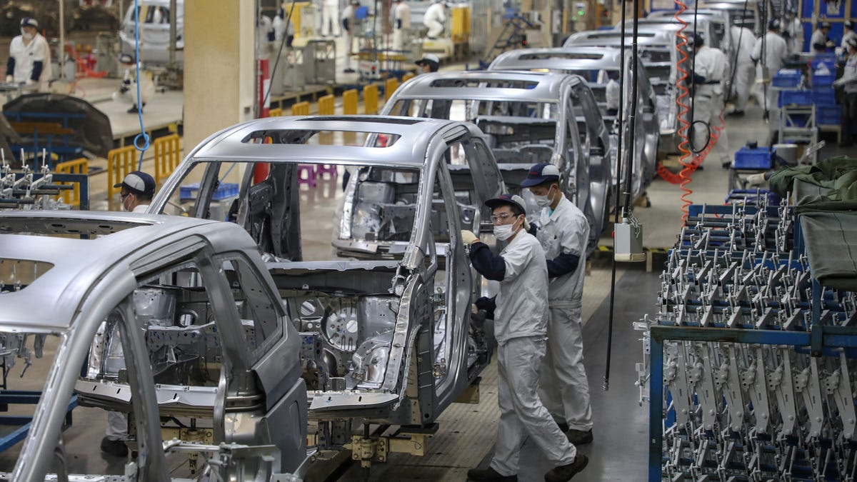 China's EV lead is widening. How that's bad for Detroit 3