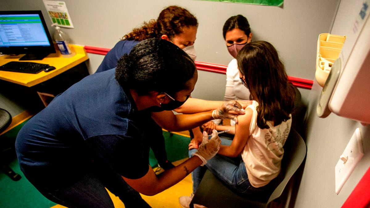 CDC backs use of Pfizer vaccine in adolescents 3