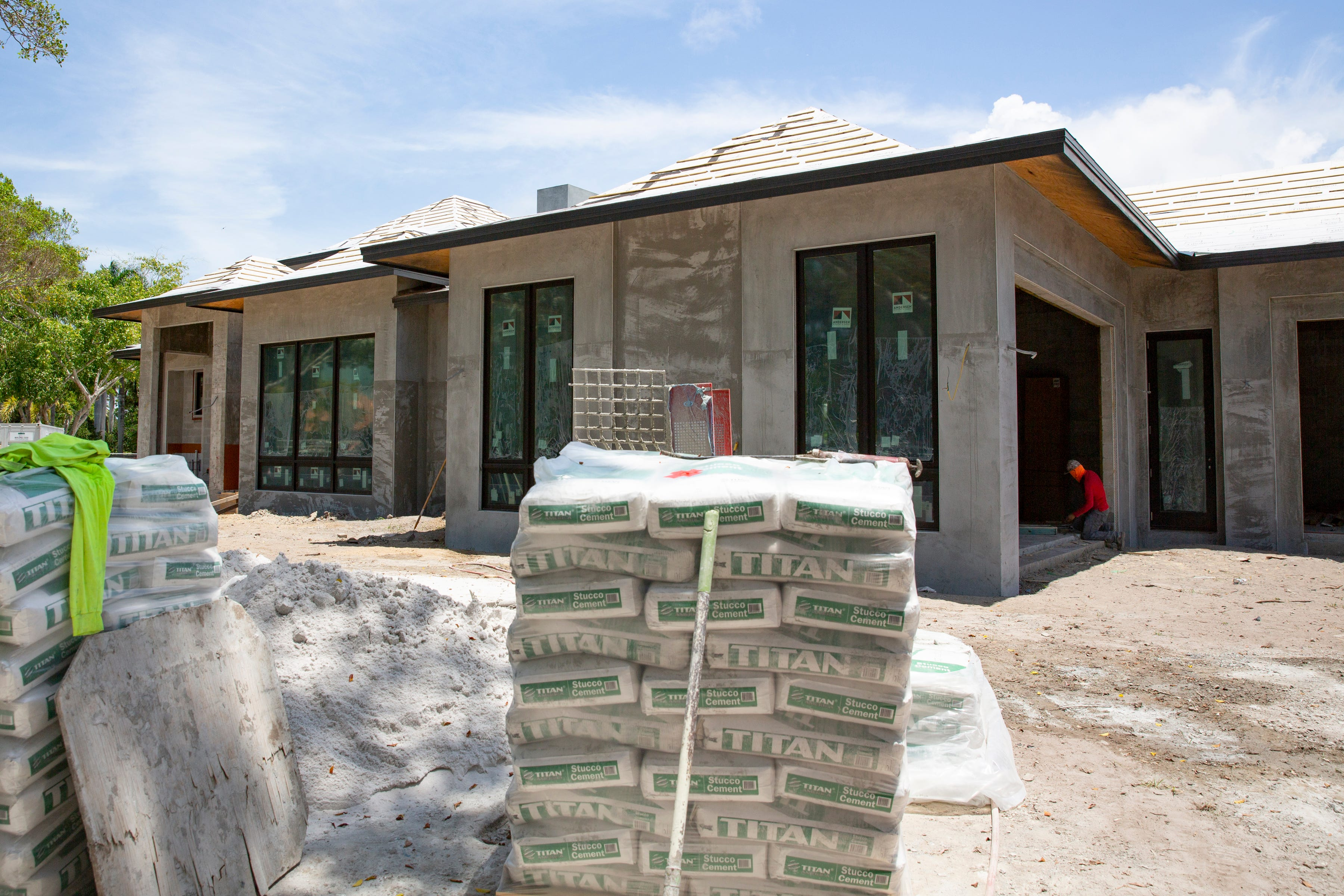 'Like gas to a fire': Hot SWFL housing market brings top prices, frustrated home seekers 3