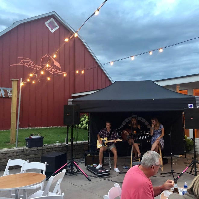 Live music and expanded food and drink options kick off this week as Wood Fired Wednesdays return to Rolling Ridge Wedding and Event Center.