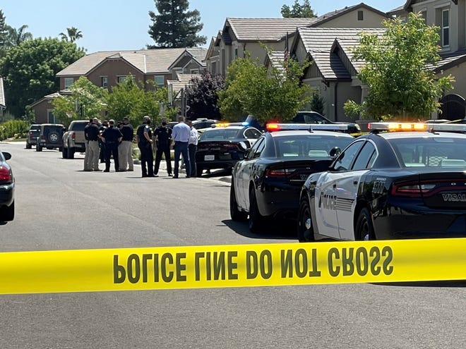 Scene of stabbing in 6200 block of West Sweet Avenue in Visalia.