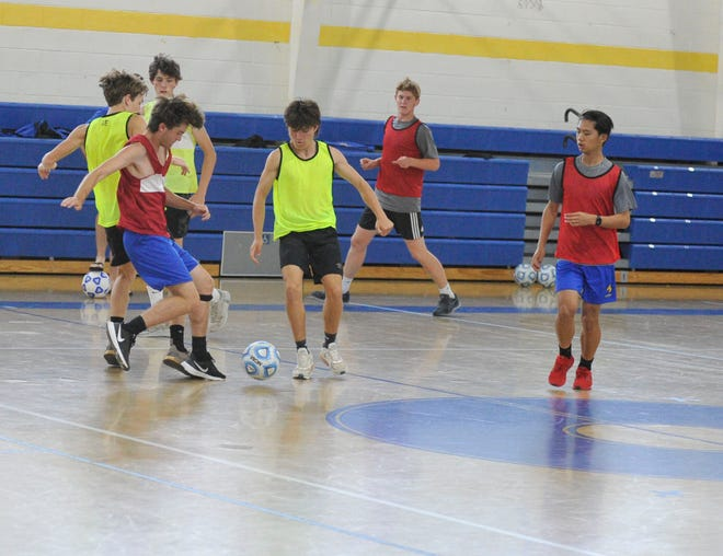 Augusta Prep boys soccer team goes through drills during practice ahead of its first semifinals appearance in over five years. [WYNSTON WILCOX/THE AUGUSTA CHRONICLE]