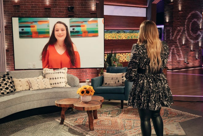 """Kayla Abramowitz, 19, talks to Kelly Clarkson on the """"Kelly Clarkson Show"""" about her non-profit organization, Kayla Cares 4 Kids. The segment broadcasts locally on May 13, 2021."""