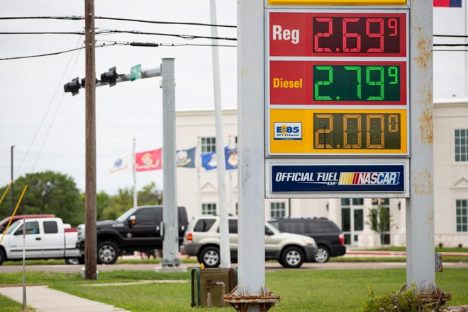 Motorists in Corpus Christi and nationwide are seeing a seven-year high in gas prices, thanks to a recent surgein the price of crude oil.