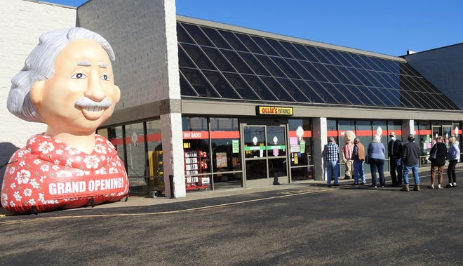 Ollie's Bargain Outlet opened a new store Thursday in Coshocton at the River Run Centre. It's Ollie's 34th store in Ohio.