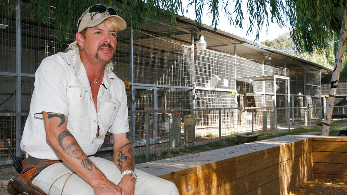 Lawyer: 'Tiger King's' Jeff Lowe willing to give up big cats 1