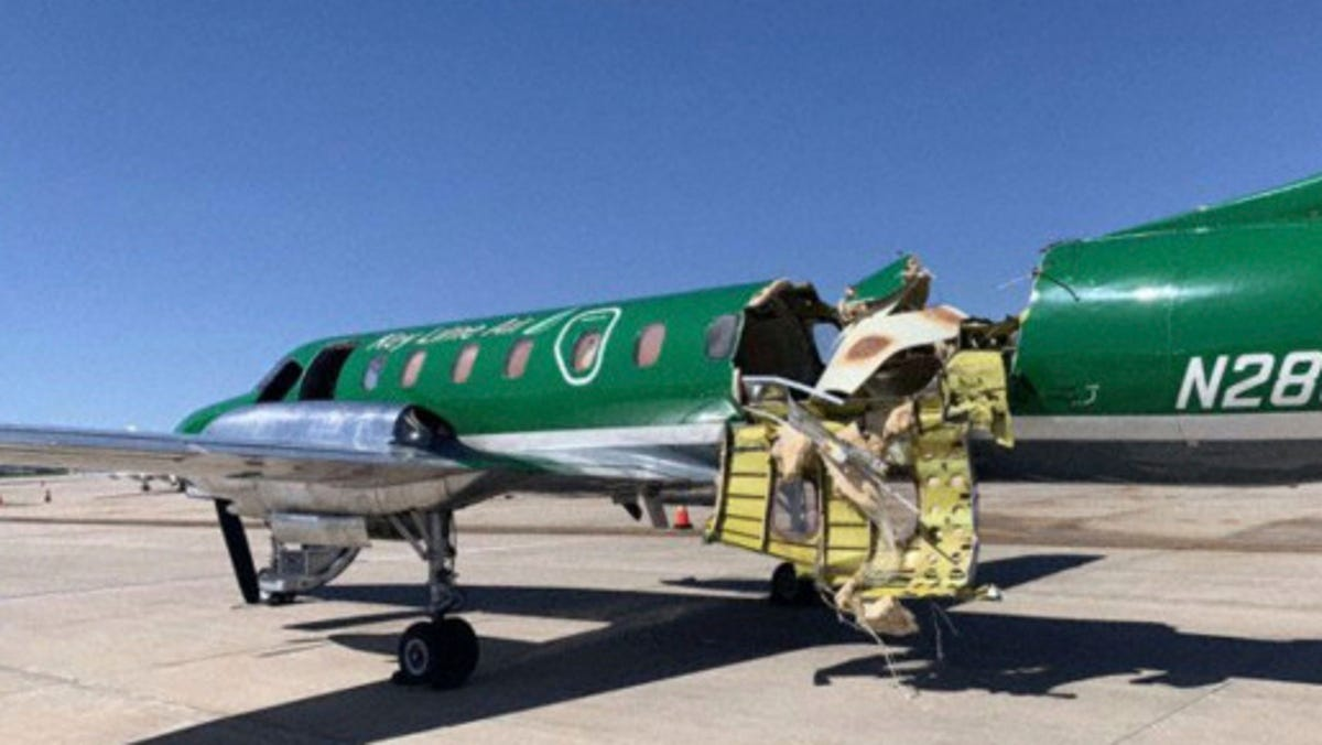 Two planes collide midair above Denver, no one injured 3