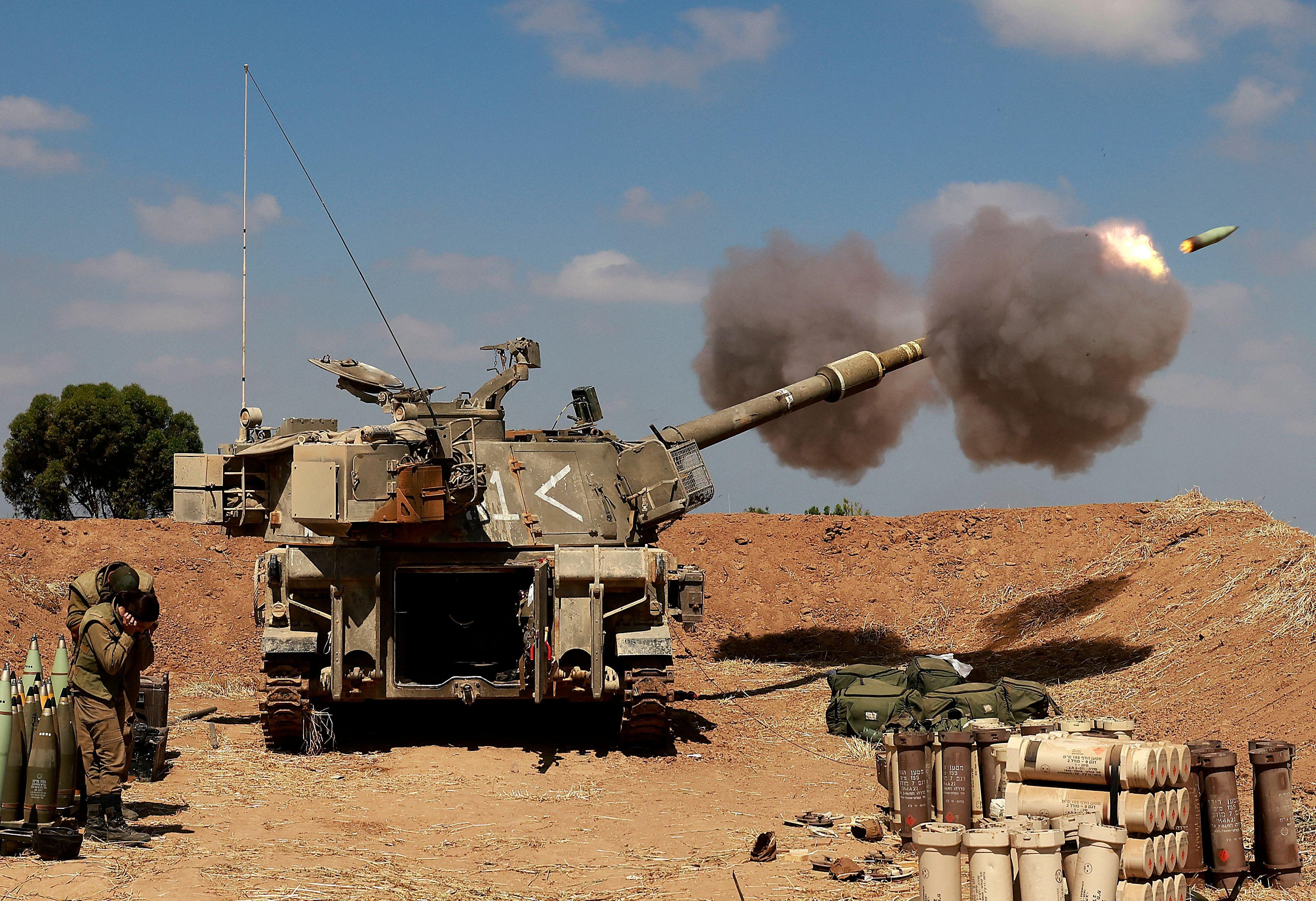 Israel threatens Gaza ground invasion despite truce efforts 2