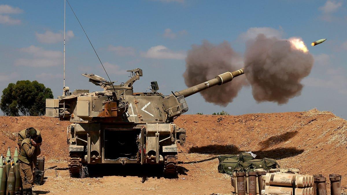 Israel threatens Gaza ground invasion despite truce efforts 3